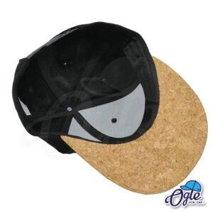 หมวกฮิปฮอป-ผ้ากํามะหยี่-สีดำ-ปีกหมวกหนังลายไม้ก๊อก-ด้านหน้า