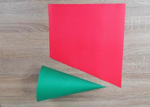วิธีทำหมวกกระดาษ-ใช้กระดาษสี-แดง-เขียว-สีเหลี่ยมคางหมู