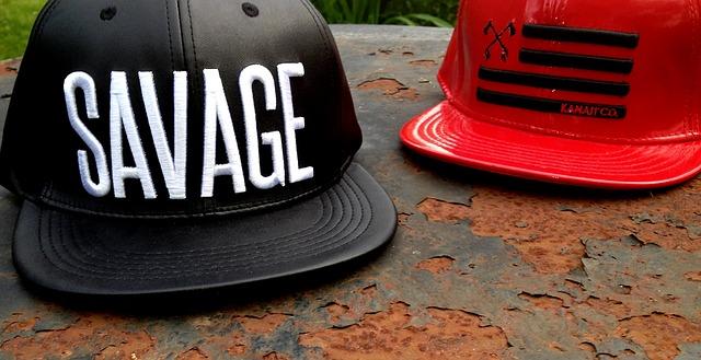 ปักหมวกราคา-หมวกฮิปฮอป-ปักชื่อ-ปักโลโก้-สีดำ-สีแดง