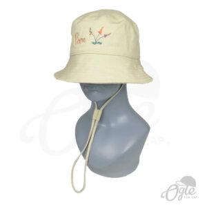 หมวกบักเก็ต-มีเชือก-สีครีม-ปักโลโก้-poon-ดอกไม้-บนหุ่น-เอียงข้าง