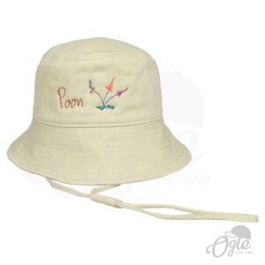 หมวกบักเก็ต-มีเชือก-สีครีม-ปักโลโก้-poon-ดอกไม้